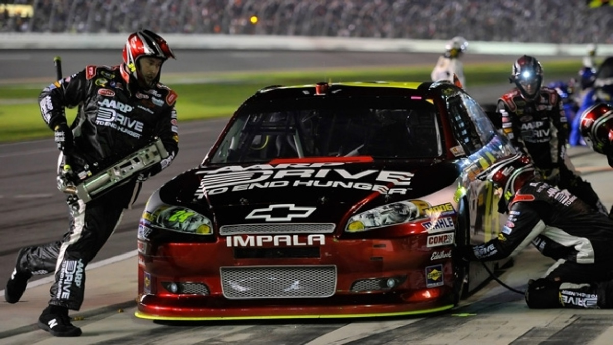 Over the wall: Jacking a Cup Chevrolet