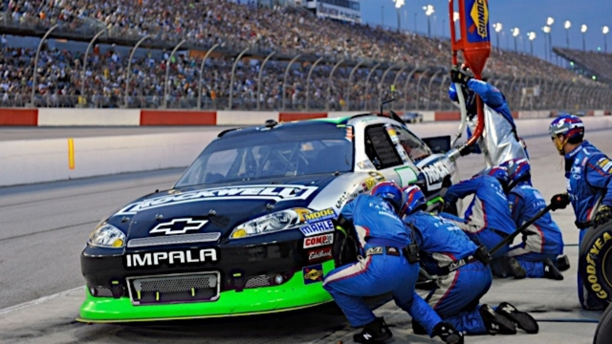 Over the wall: Breaking down a pit stop