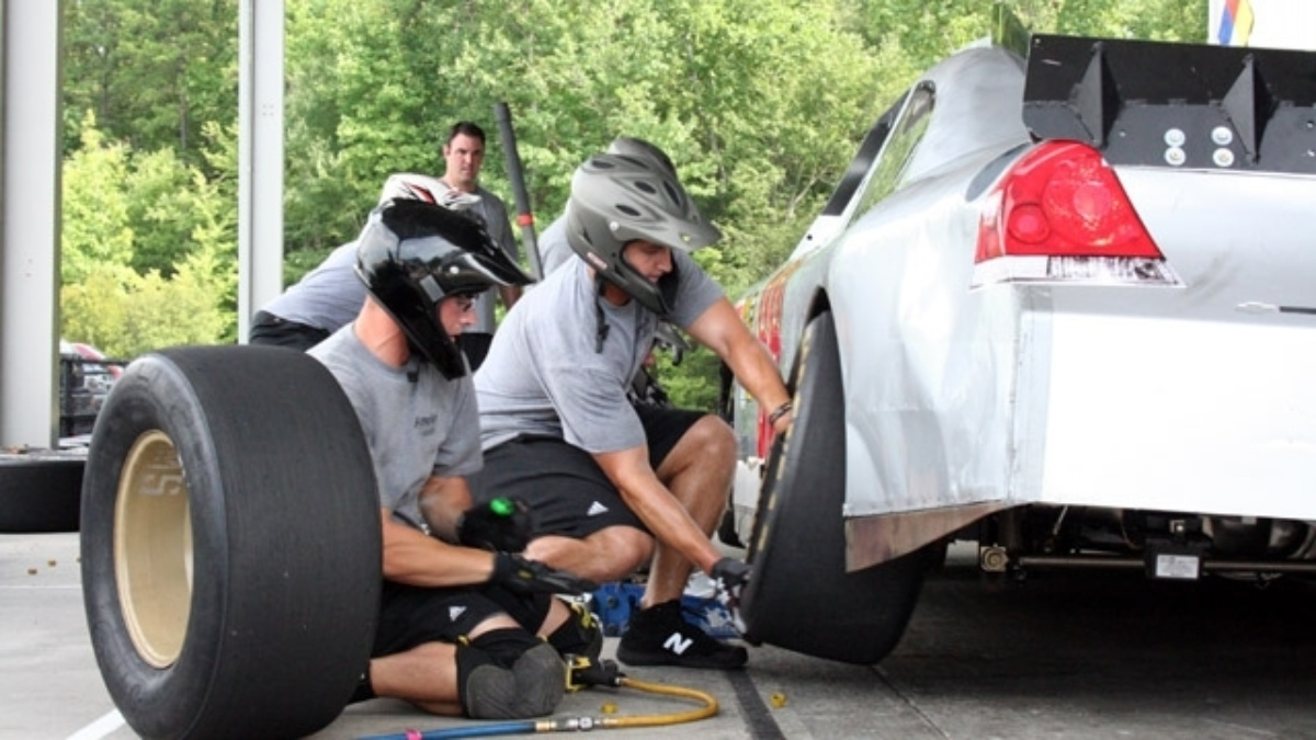 Pit crew practice sessions open to the public