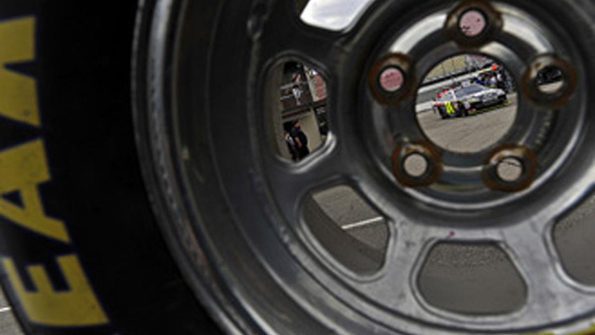 Join Jeff Gordon pre-race at Infineon Raceway