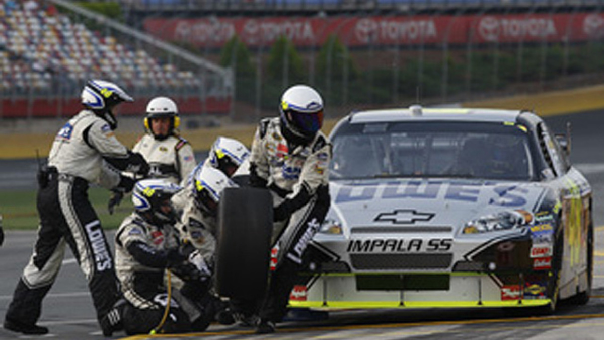 Richmond qualifying: Johnson and Gordon in top five